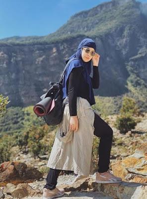 Kacamata Wanita Pendaki