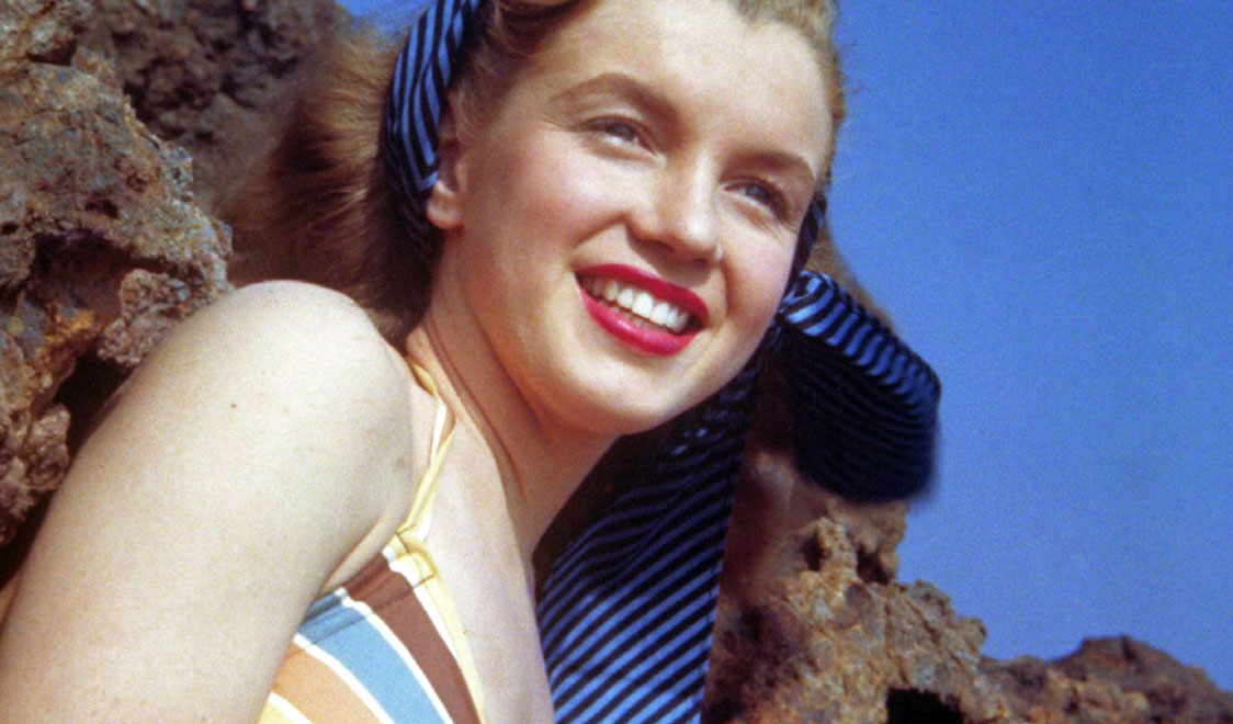 ff4e790b866 40 Iconic Moments of Marilyn Monroe in Bikini and Swimsuit From ...