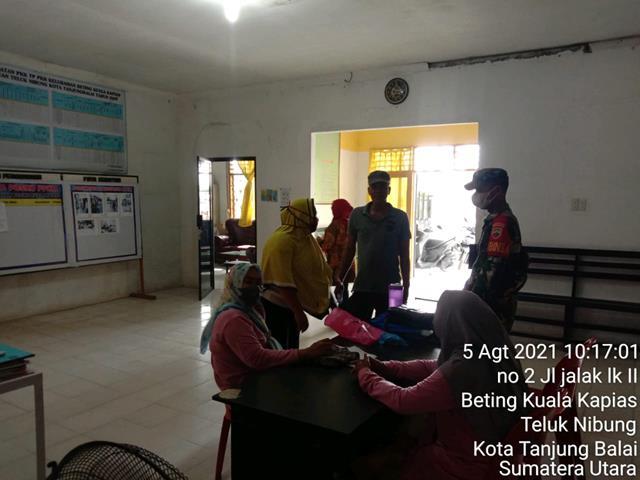 Dengan Komsos Personel Jajaran Kodim 0208/Asahan Ajak Perangkat Desa Dan Masyarakat Tetap Perhatikan Protokol Kesehatan