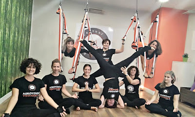 yoga, yoga france, aeroyoga, yoga aerien, fly, flying, pilates, fitness, remise en forme, ayurveda, stage, formation, formation professionnelle, enseignante, yoga alliance