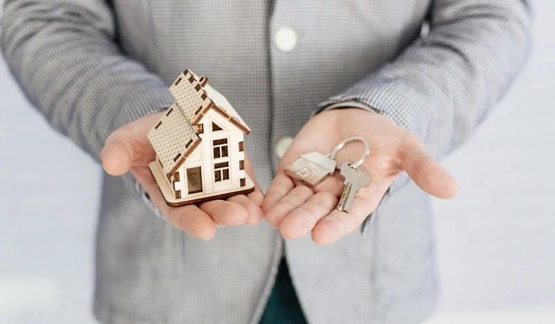 Tidak membeli rumah secara berlebihan