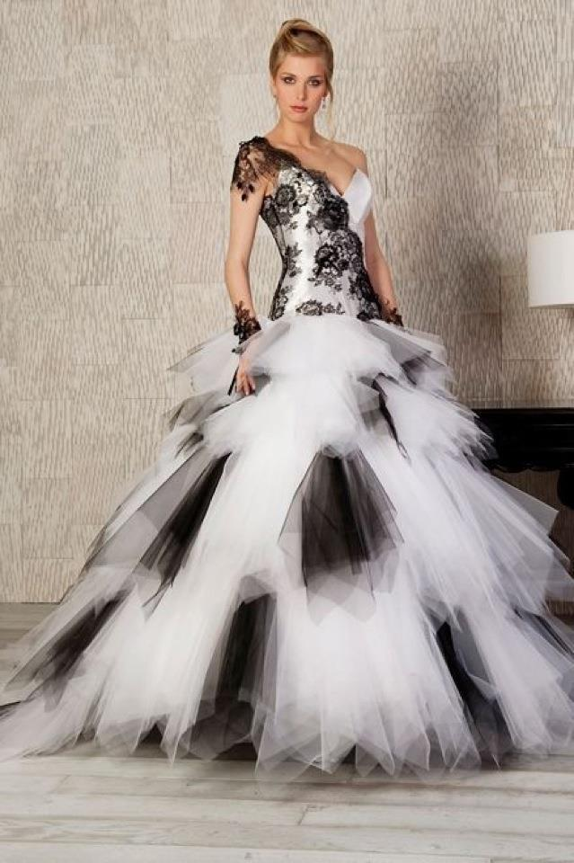 Black And White Wedding Dresses : Have Your Dream Wedding