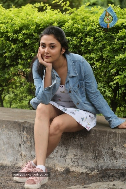 Actress Megha Chowdhury Hot Thighs Show Pictures Actress Trend
