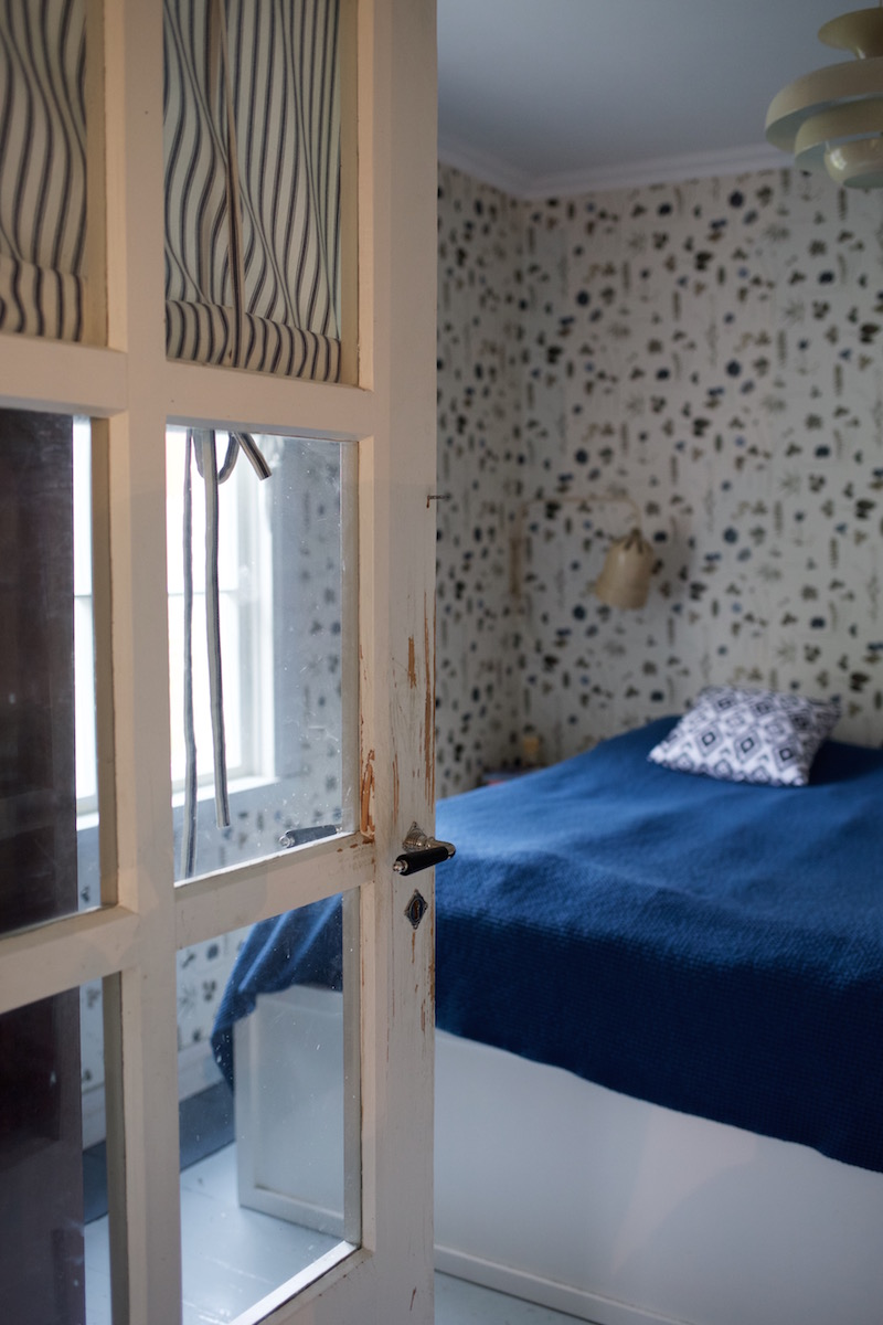 Ker-Lux seinävalaisin. Eco Wallpaper Botanica.