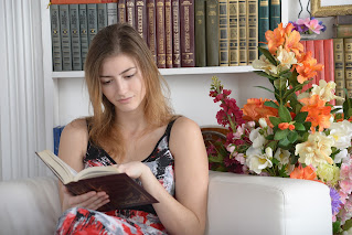 Benefits of reading books in Hindi