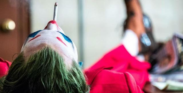Sutradara Film Joker Ungkap Foto Terbaru dari Joaquin Phoenix