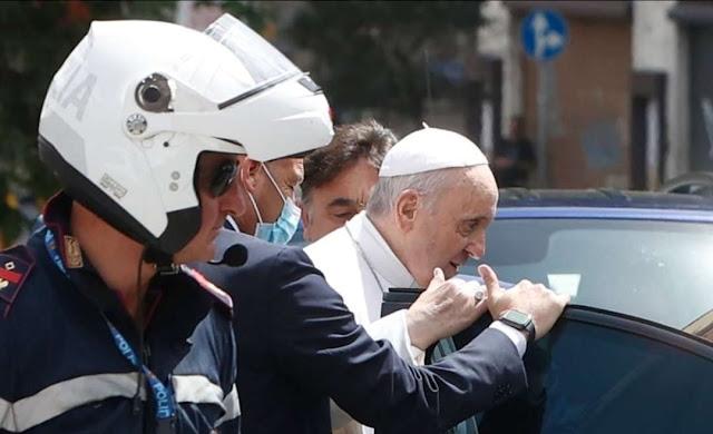 Paus Fransiskus Tinggalkan Rumah Sakit 10 Hari Setelah Operasi