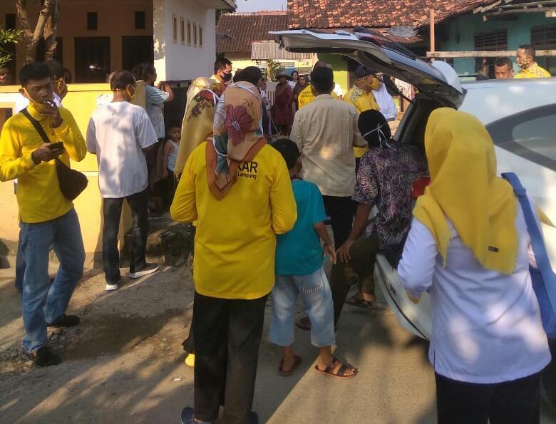 Partai Golkar Berikan Bantuan Korban Banjir Bandar Lampung