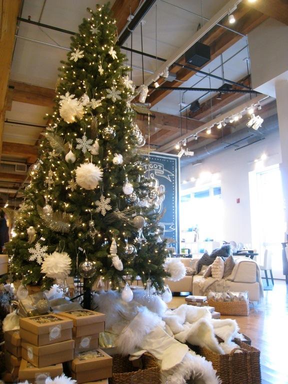 West Elm Christmas.Design Maze West Elm Holidays Edition