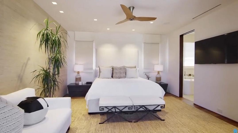 39 Photos vs. Tour 4541 Brighton Rd, Corona Del Mar, CA Ultra Luxury Home Interior Design