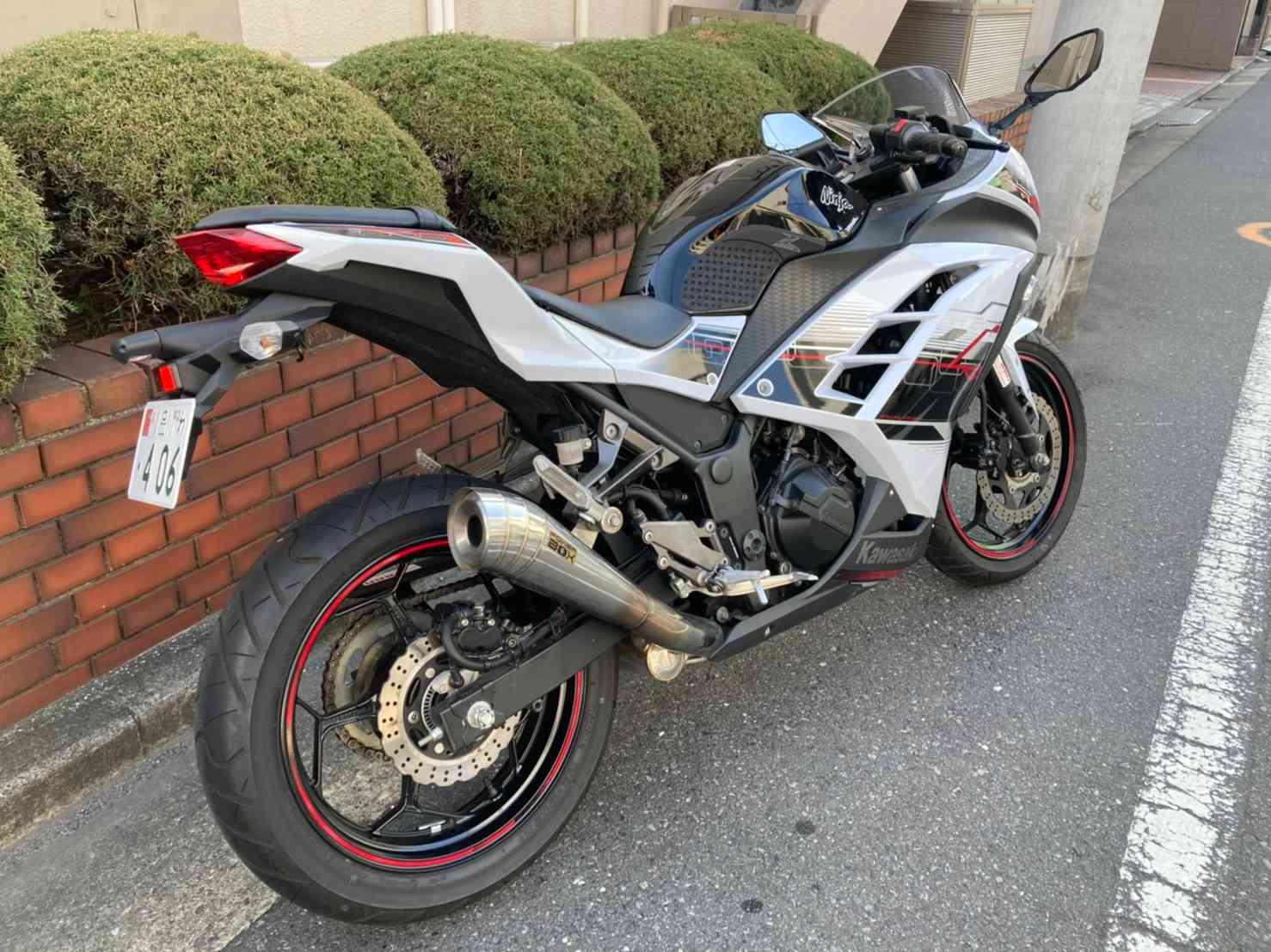 レンタルバイク【ニンジャ250】右リア画像