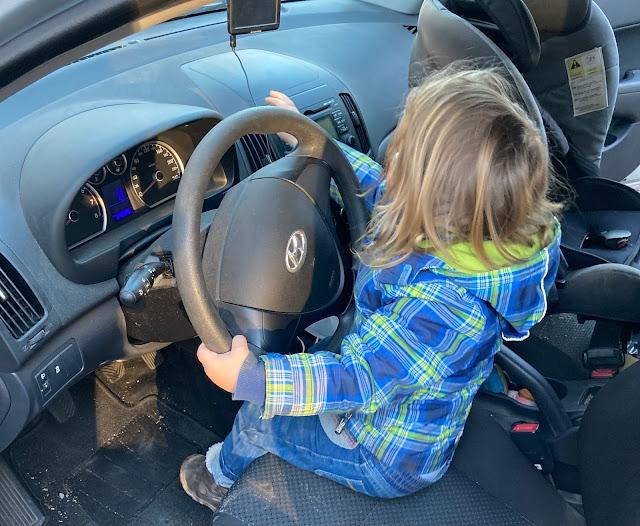 Tjelle möchte Auto fahren