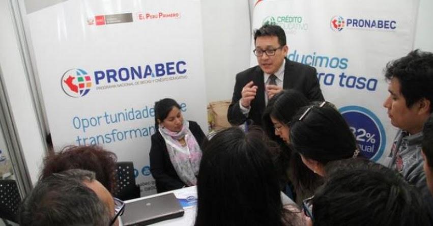 PRONABEC atiende numerosas consultas en feria «Estudiar en España» www.pronabec.gob.pe