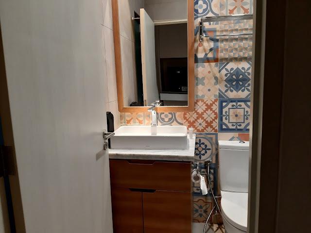 kamar mandi hotel Fika Rooms