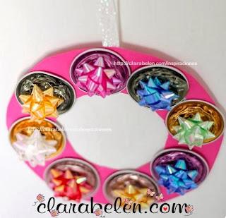 http://clarabelen.com/inspiraciones/3138/corona-navidena-con-capsulas-de-nespresso-hecha-con-los-ninos/