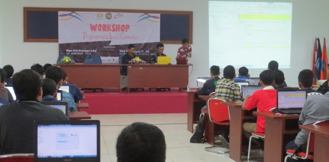 Workshop PLC (Programmable Logic Controller) SMK dan Mahasiswa Se-Jawa Timur di Universitas Negeri Surabaya