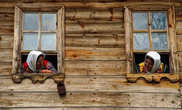 Rüyada komşu görmek ne demek? anlamı nedir? rüyada komşu kadını, komşu kızı görmek, rüyada komşunun evini görmek ne demektir?