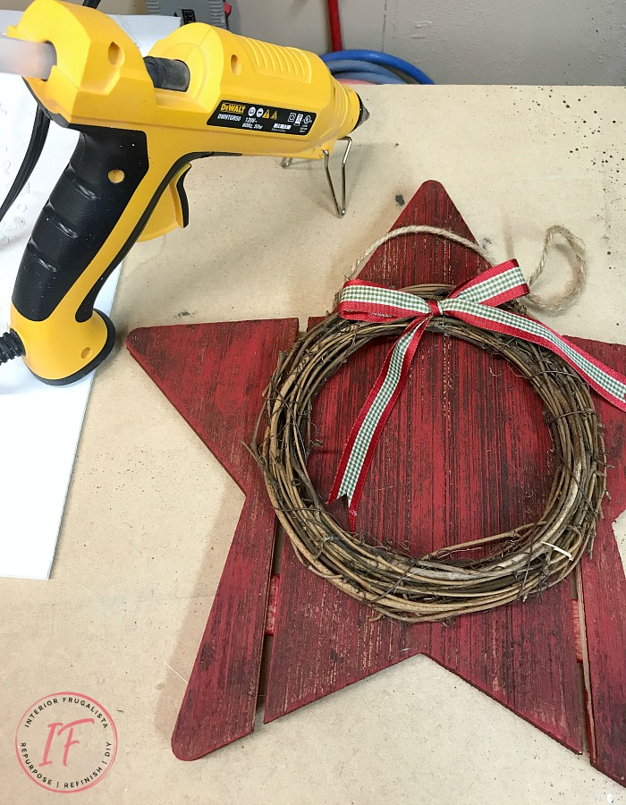 Dollar Store Wood Stars With Grapevine Wreath