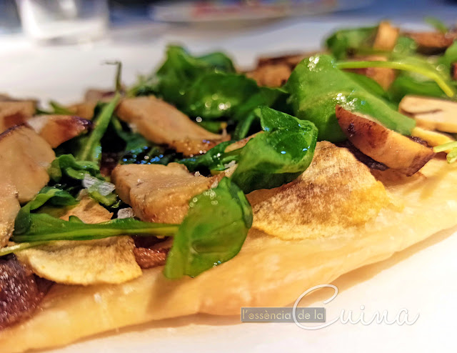 Coca Foie, Poma, Ceba-caramelitzada, l'essencia-de-la-cuina, blog-de-cuina-de-la sonia, cuina-casolana