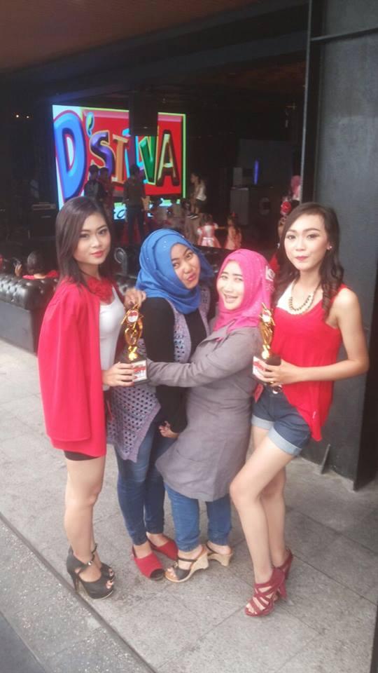 SMK Prajnaparamita Juara Fashion Pesona Merah Putih Anang