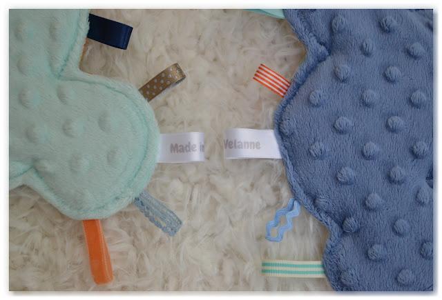 doudous étiquettes nuages made in velanne en minkee bleu ou vert menthe