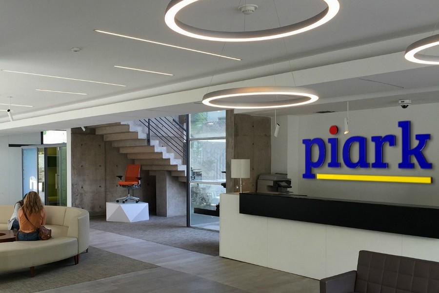 Piark Mock Brand Office