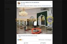 [CEK FAKTA] Jokowi Pakai Sepatu Saat Masuk Masjid?