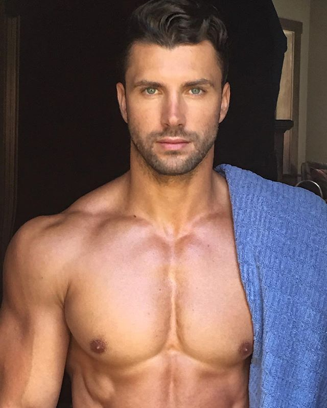 dreamy-shirtless-torso-daddy-fit-muscular-male-body