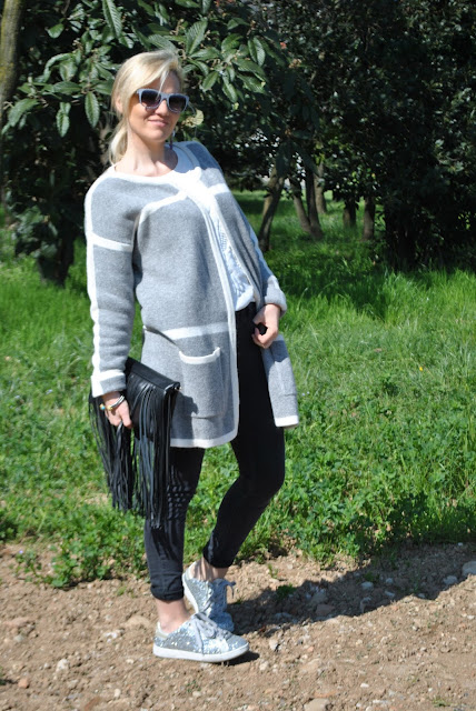 abbinamento jeans skinny e sneakers come abbinare i jeans skinny e le sneakers skinny jeans and sneakers combo skinny jeans and sneakers outfit primaverili spring outfit outfit marzo 2016 march outfit mariafelicia magno fashion blogger color block by felym fashion blogger italiane fashion blog italiani fashion blogger milano blogger italiane blogger italiane di moda blog di moda italiani ragazze bionde blonde hair blondie blonde girl fashion bloggers italy italian fashion bloggers influencer italiane italian influencer