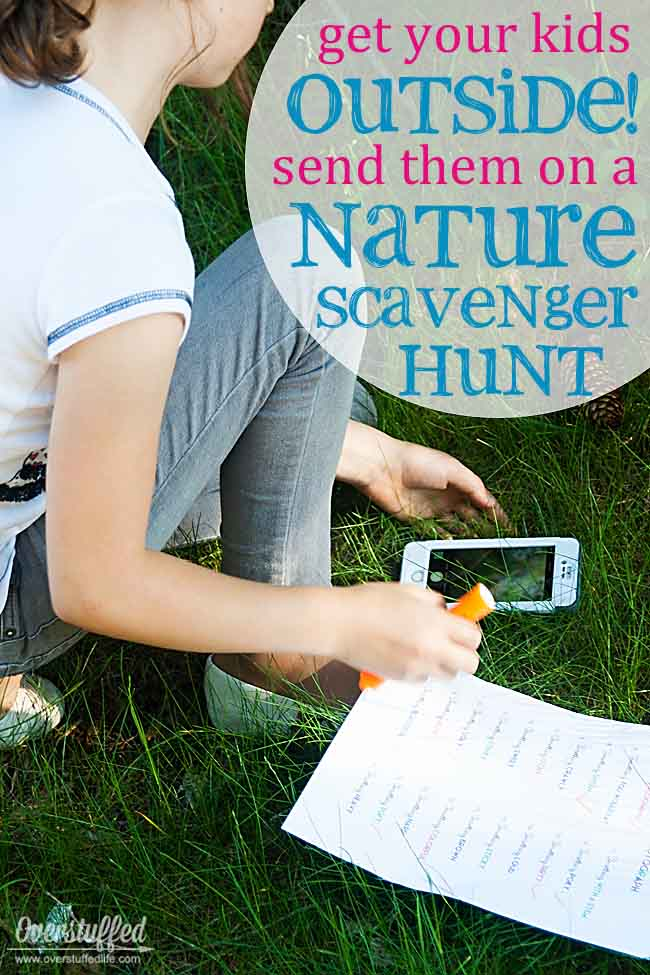 Sick of the kids staying inside looking at screens? Get them outside in nature on a fun scavenger hunt where they can use their screens appropriately.