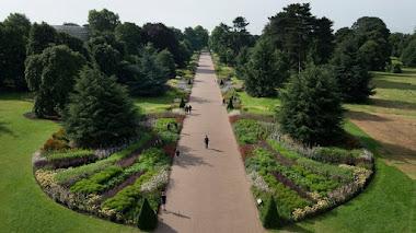 Great Broad Walk Borders en Kew Gardens: 20 minutos caminando entre flores