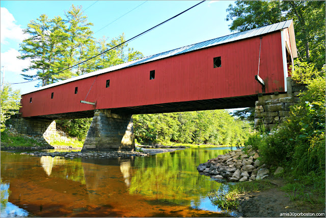Lateral del Cresson Covered Bridge / Sawyers Crossing en New Hampshire