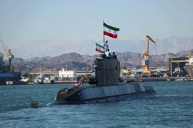 El submarino Fateh de 593 toneladas de la Marina iraní