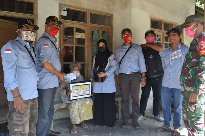 Dor to Dor Penyaluran Dana Desa BLT Tahap Dua Desa Silo Di Tengah Pandemi Covid -19 Ikuti Protokol Kesehatan.