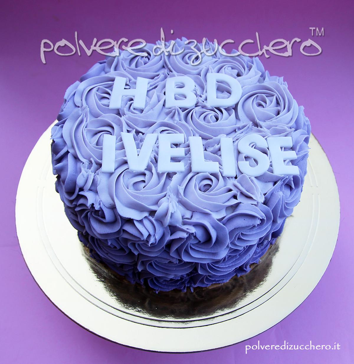 torta decorata crema al burro sfumatura viola lilla sac a poche beccuccio cake design ombre cake rose swirl purple