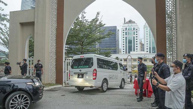 Jenazah Tun Rahah Tiba Di Masjid Ar-Rahah, Kampung Kerinchi