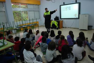 http://escuelaspromotorasdesaludmatalinares.blogspot.com.es/2017/04/curso-de-educacion-vial-2017.html