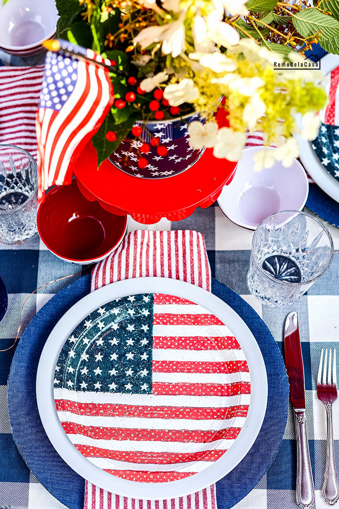Patriotic table with flag plates