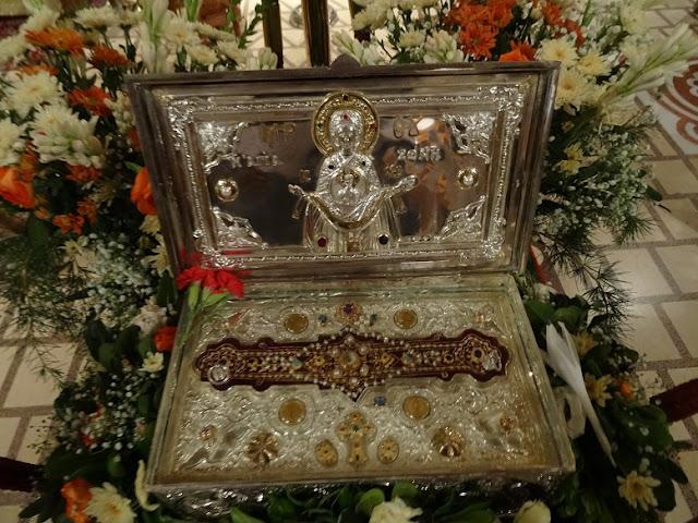 Μικροτεμάχιο της Τιμίας Ζώνης της Θεοτόκου στην Ιερά Κοινοβιακή Μονή  Παναγίας Ελεούσης Σαλμενικόν Αιγίου. https://leipsanothiki.blogspot.be/