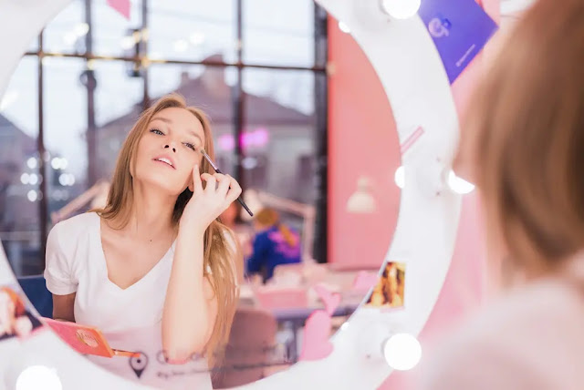 5 Everyday Makeup Tips to Help You Look Your Best