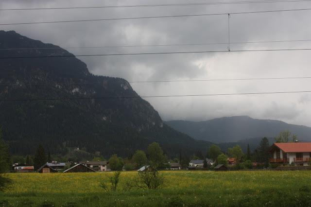 Regenfront über Garmisch-Partenkirchen - Hütten-Hochzeit in der Riessersee-Hütte - heiraten in den bayerischen Bergen im Riessersee Hotel Garmisch-Partenkirchen