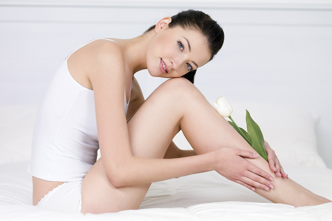 Thói quen khiến khuỷu tay đầu gối thâm đen và cách khắc phục làn da