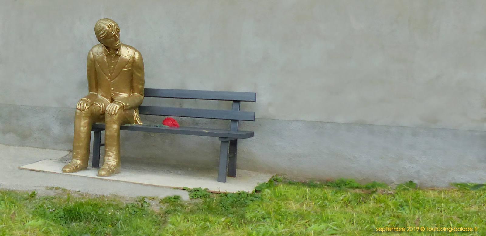 """Statue """"L'homme en Or"""", de Enzus, Tourcoing centre."""