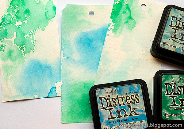 Layers of ink - December Countdown Calendar by Anna-Karin Evaldsson. Ink with Distress Ink.