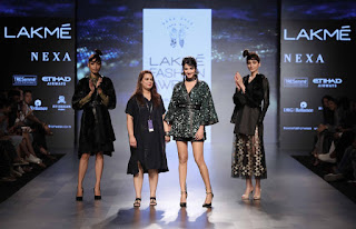 Sonal Chauhan Walks the Ramp in short black top at Lakme Fashion Week 2017