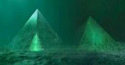 Piramides-submersas-triangulo-bermudas