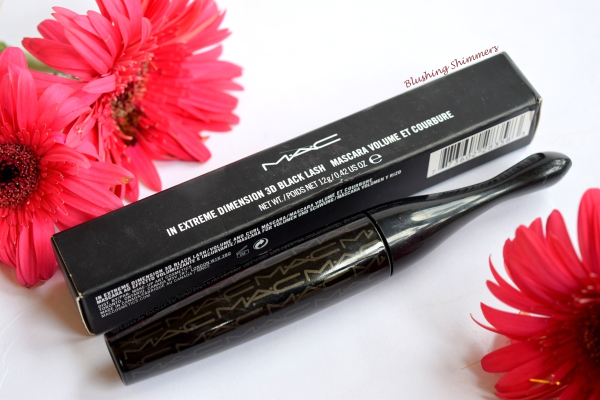 MAC In Extreme Dimension 3D Black Lash Mascara Review