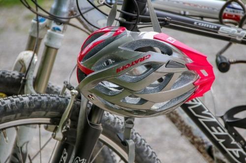 test mtb helm racefiets mountainbike