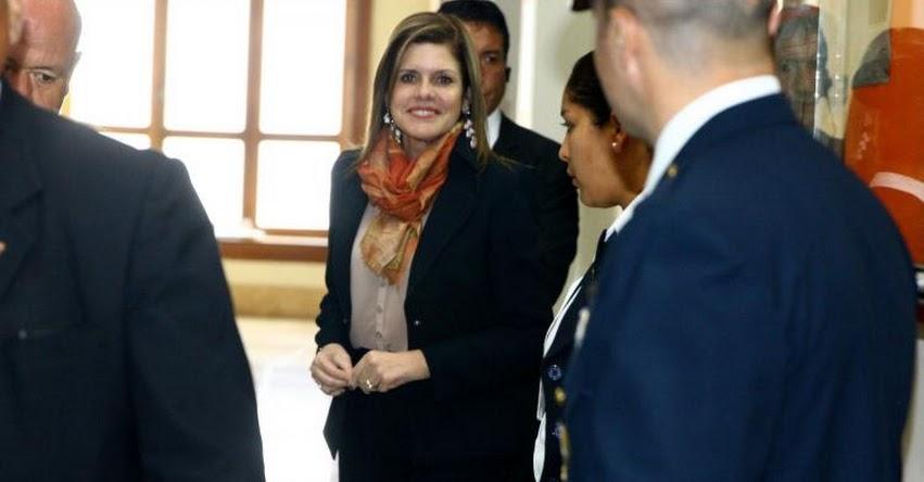 Mercedes Aráoz llega al Congreso de la República para el voto de confianza