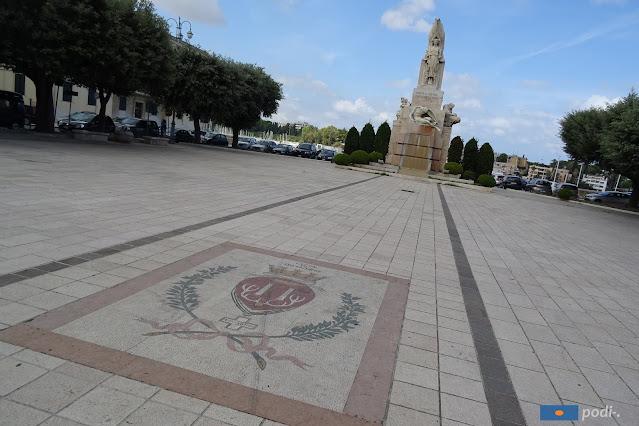 Ai caduti di Brindisi in piazza santa Teresa
